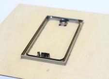 カメラや携帯用の保護フィルムを打ち抜く木型(トムソン型)