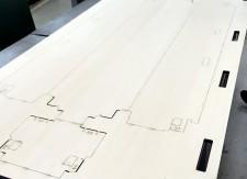 機械操作を工夫することで一枚板で大きなサイズの木型を製造